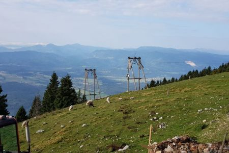 Kriška gora - pogled od koče proti Poreznu.jpg