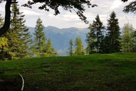 Kriška gora - pogled od koče proti Kofcam.jpg