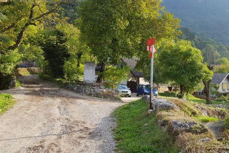 Kriška gora - Gozd, spomenik.jpg