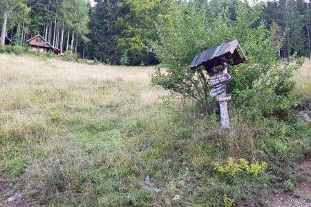 Kriška gora - križišče za Tolsti vrh.jpg