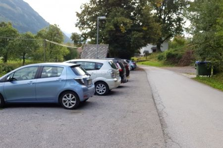 Kriška gora - Gozd, parkirišče.jpg